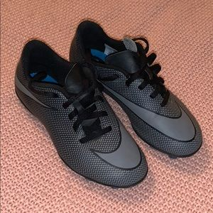 Size 1 youth Nike soccer cleats